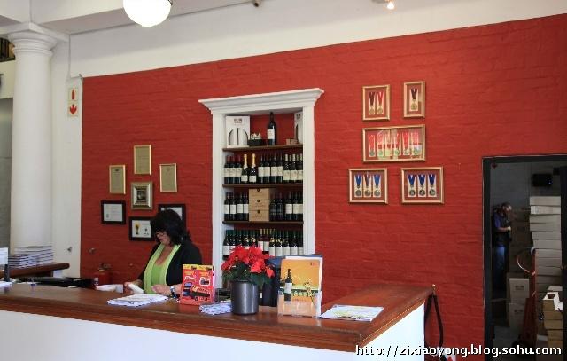 葡萄酒庄园里卖酒,品酒的地方