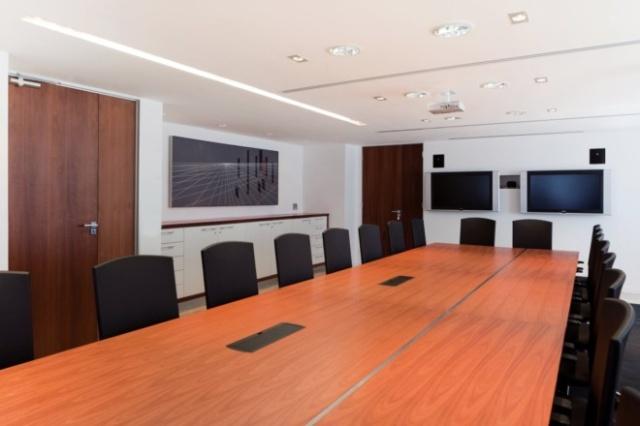 办公室装修之隔断划分有那些优势 百嵘装饰